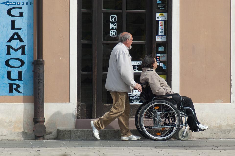 senior caregiving challenges